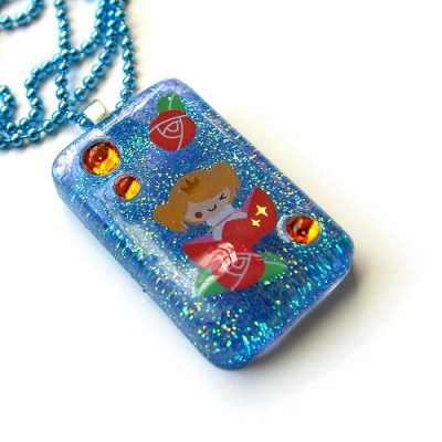 Kawaii Thumbellina Necklace