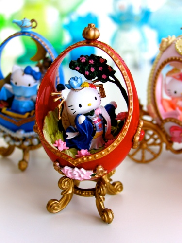 Hello Kitty Eggs Chinese Empress