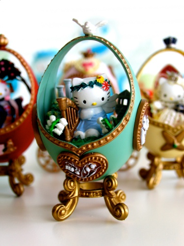 Hello Kitty Eggs Greek Goddess