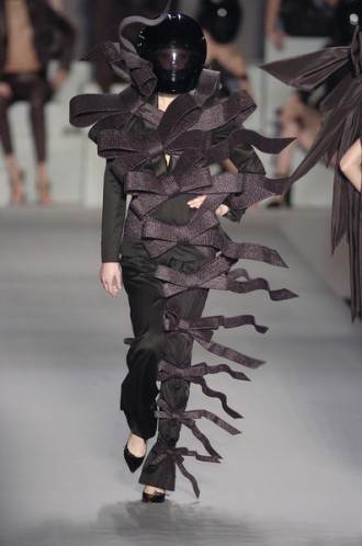 Fashion: Viktor & Rolf Spring 2005 Runway